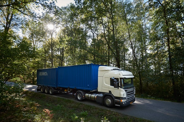 Distribution,-Scania-P-340-Highline